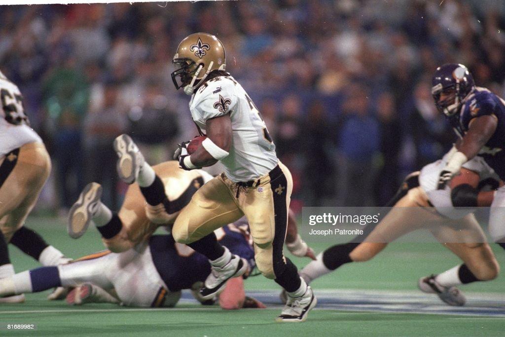 2000 NFC Divisional Playoff Game - New Orleans Saints v Minnesota Vikings : News Photo