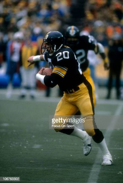Running back Rocky Bleier of the Pittsburgh Steelers carries the ball against the Houston Oilers during an NFL football game at Three Rivers Stadium...