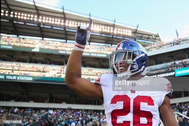 Running back Saquon Barkley of the New York Giants celebrates his touchdown against the Philadelphia Eagles during the second quarter at Lincoln...