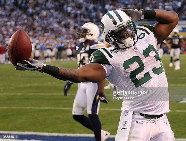 Running back Shonn Greene of the New York Jets celebrates after scoring a touchdown in the fourth quarter of the AFC Divisional Playoff Game at...