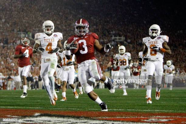 Running back Trent Richardson of the Alabama Crimson Tide runs for a touchdown against the Texas Longhorns in the second quarter of the Citi BCS...