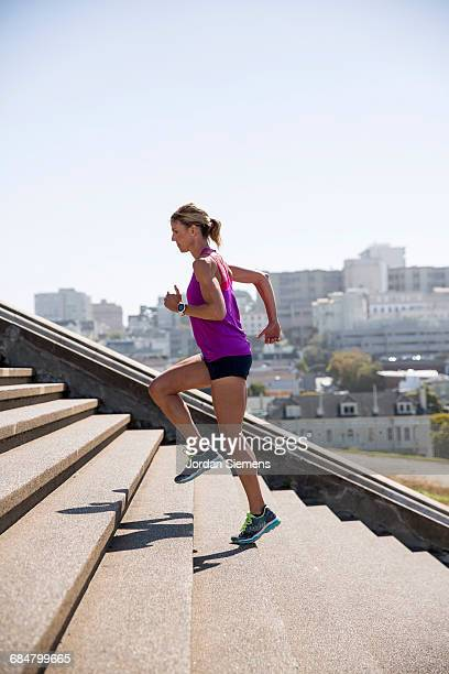 running in san francisco - running shorts stock pictures, royalty-free photos & images