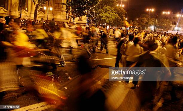 running in the night - protest stockfoto's en -beelden
