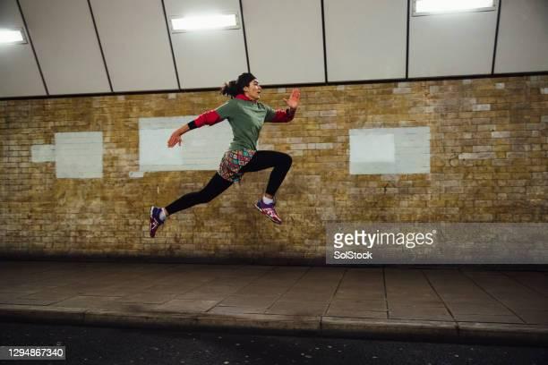 correr é minha paixão - girl power provérbio em inglês - fotografias e filmes do acervo