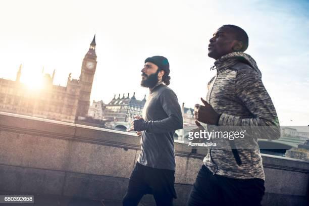 hardlopen is onze therapie - city of london stockfoto's en -beelden