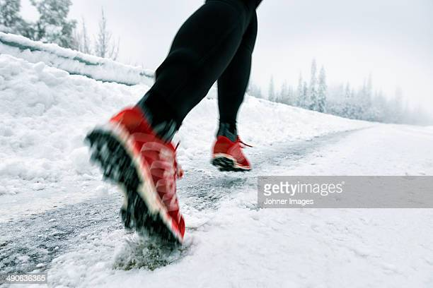 Running on snow, low section