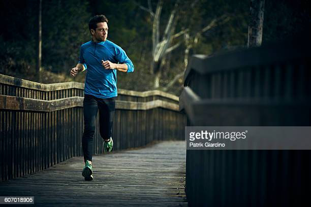 running - sportswear stock pictures, royalty-free photos & images