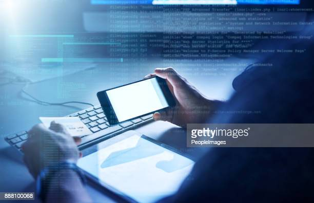 running security checks on your banking app - security_(finance) stock pictures, royalty-free photos & images