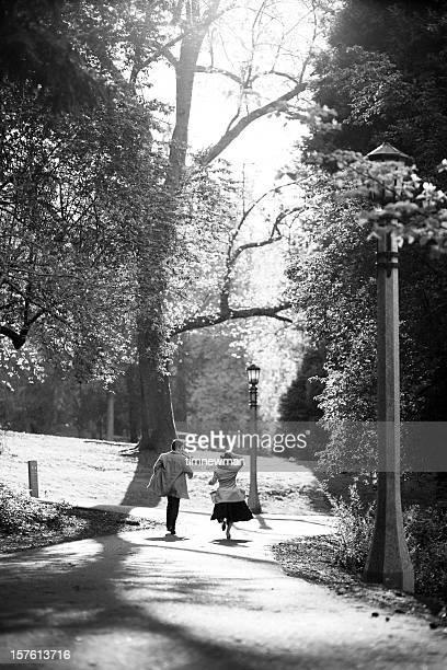 ランニングの公園 - 1940~1949年 ストックフォトと画像