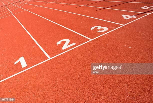 running track - sprint sport wettbewerbsform stock-fotos und bilder