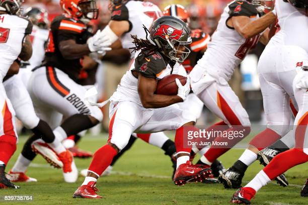 Runningback Jacquizz Rogers of the Tampa Bay Buccaneers on a running play during the game against the Cleveland Browns at Raymond James Stadium on...