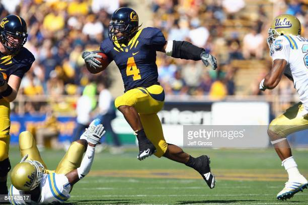 Runningback Jahvid Best of the Cal Golden Bears carries the ball during the game against the UCLA Bruins at Memorial Stadium on October 25, 2008 in...