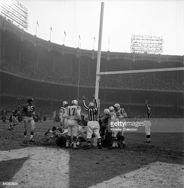Runningback Mel Triplett of the New York Giants scores the Giants first touchdown during the third quarter of the NFL Championship Game on December...
