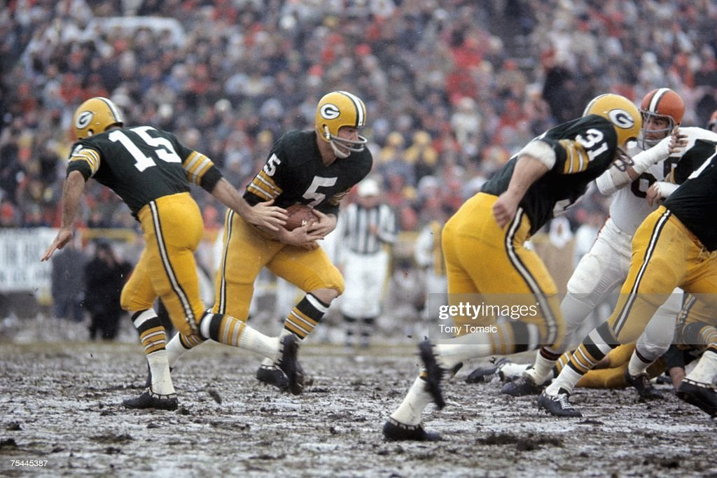 NFL Championship Game - Cleveland Browns v Green Bay Packers : News Photo