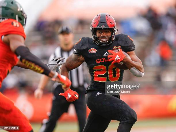 Runningback Rashaad Penny of San Diego State on the South Team on a running play during the 2018 Resse's Senior Bowl at LaddPeebles Stadium on...