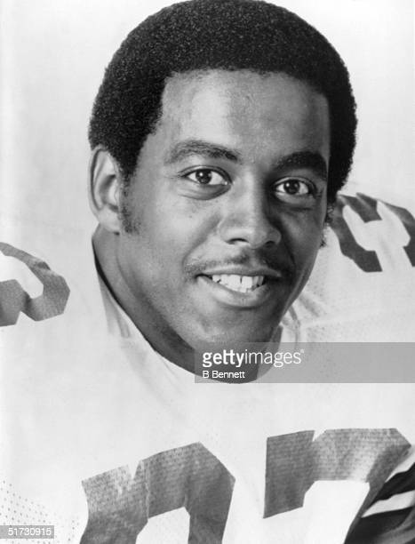 Runningback Tony Dorsett of the Dallas Cowboys poses for a portrait circa 1980's Anthony Drew Dorsett Sr played for the Cowboys from 197787