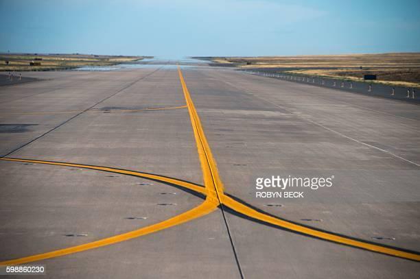 A runway at Denver International Airport in Denver Colorado on September 2 2016 / AFP / Robyn BECK