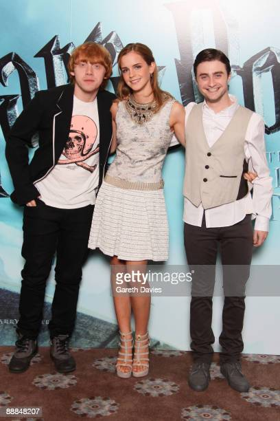 OUT *** Rupert Grint Emma Watson and Daniel Radcliffe attend a photocall for 'Harry Potter and the HalfBlood Prince' held at Claridges Hotel on July...
