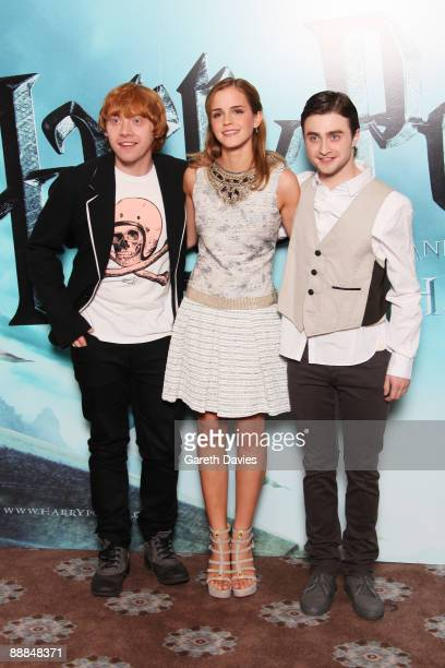 OUT** Rupert Grint Emma Watson and Daniel Radcliffe attend a photocall for Harry Potter and the HalfBlood Prince held at Claridges Hotel on July 6...