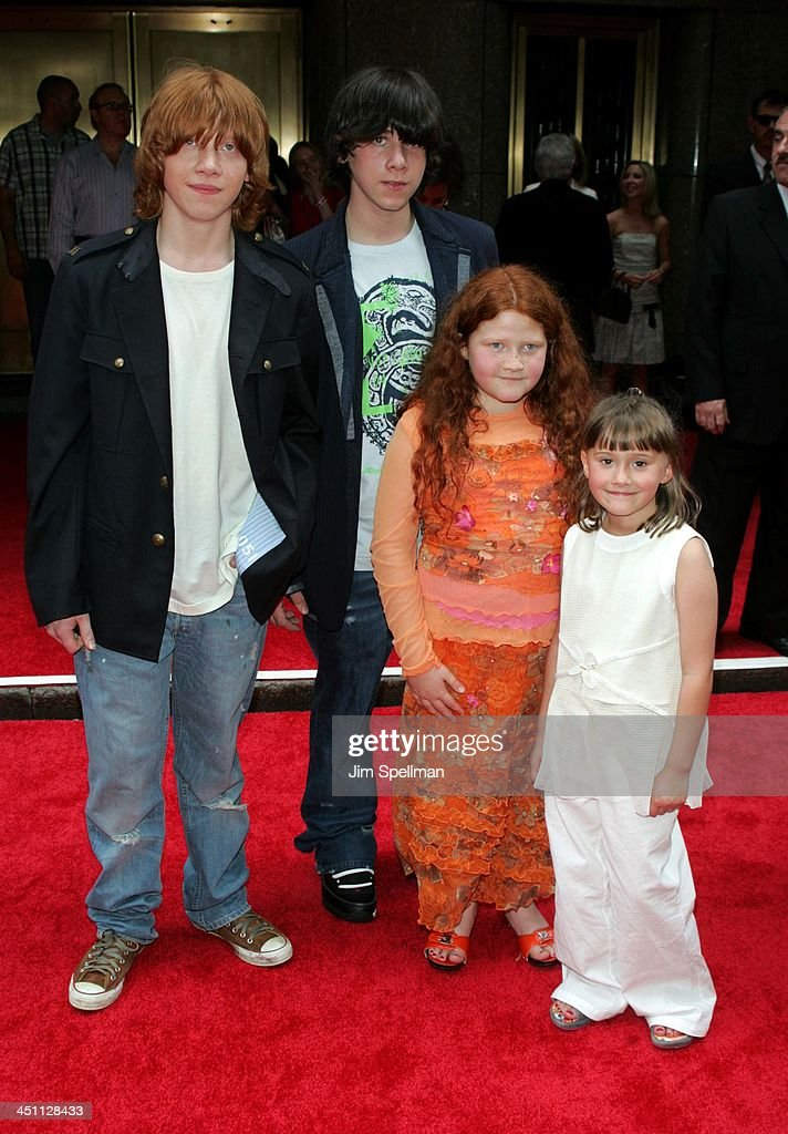 Rupert Grint With Brother James And Sisters Samantha And Charlotte News Photo Getty Images