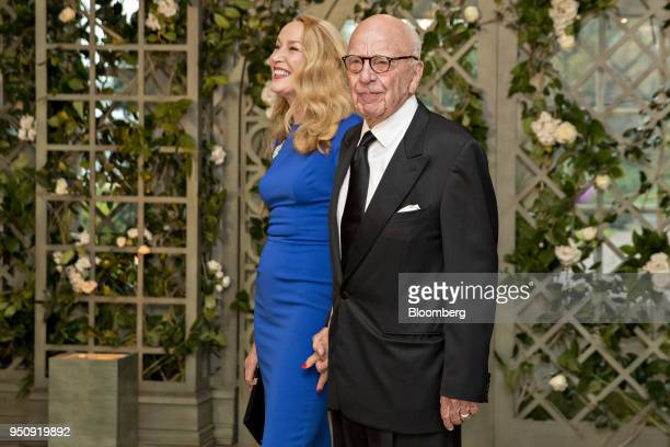 Rupert Murdoch cochairman and founder of TwentyFirst Century Fox Inc right and Jerry Hall arrive for a state dinner in honor of French President...
