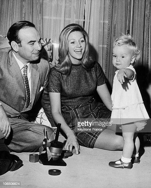 Rupert Murdoch His Wife And His Daughter On October 4Th 1969