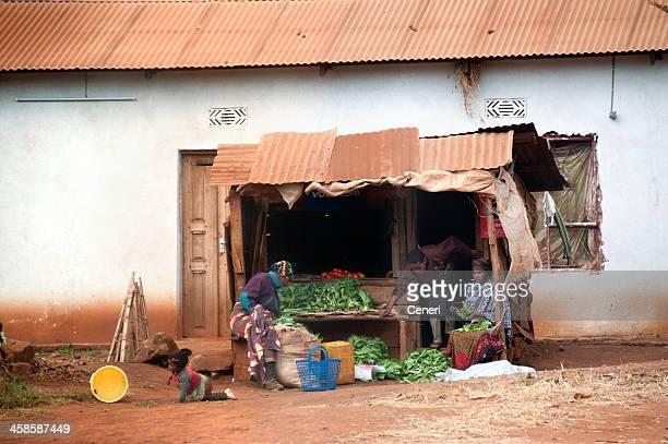 Ländliche Lebensmittel einkaufen in Tansania, Afrika