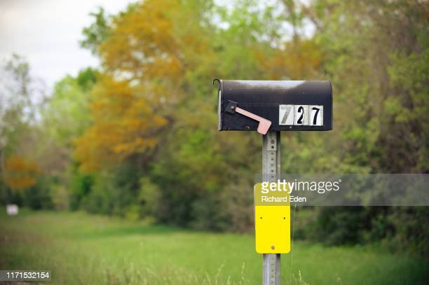 rural mailbox with no mail delivered - mailbox stock pictures, royalty-free photos & images