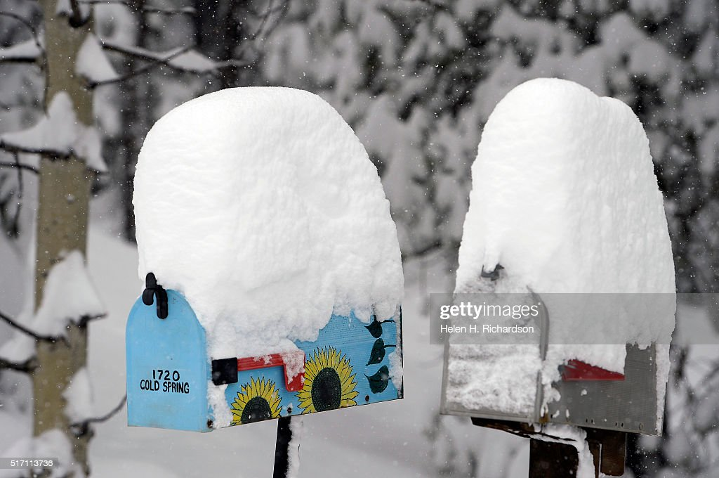 Over 12 inches of snow fell overnight in Nederland, Colorado. : News Photo