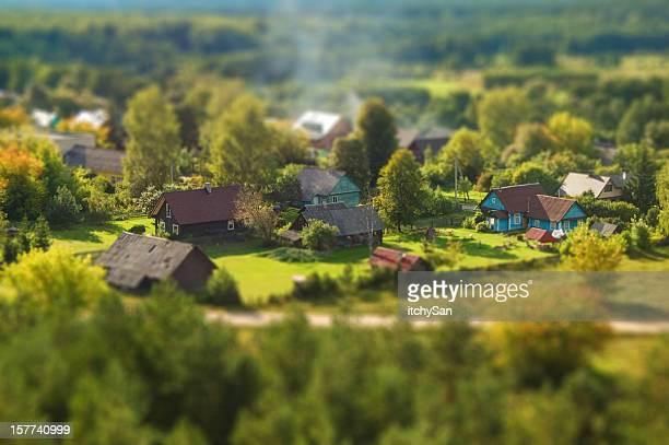 aldeia rural de deslocamento horizontal - cercado com estacas - fotografias e filmes do acervo