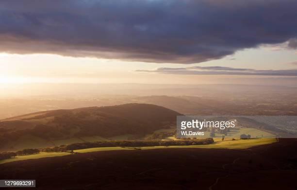 ländliche walisische landschaft - south wales stock-fotos und bilder