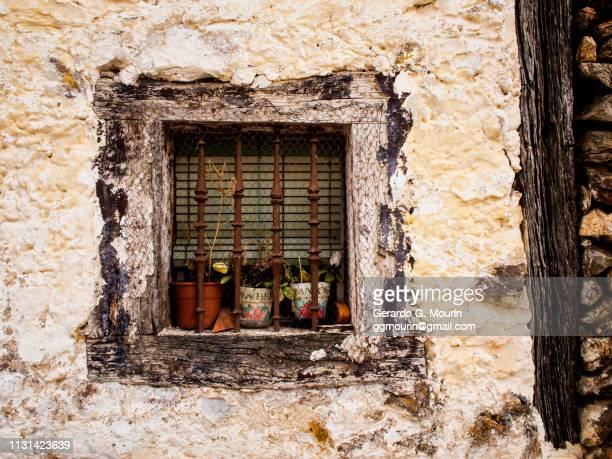 rural window - rústico stock pictures, royalty-free photos & images