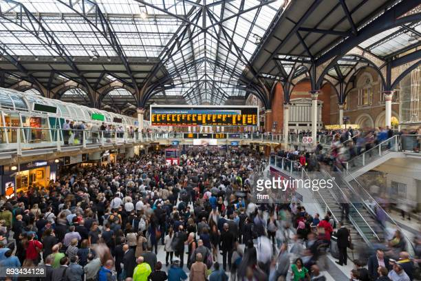 rush hour at liverpool street station/ london (uk) - railway station stock pictures, royalty-free photos & images