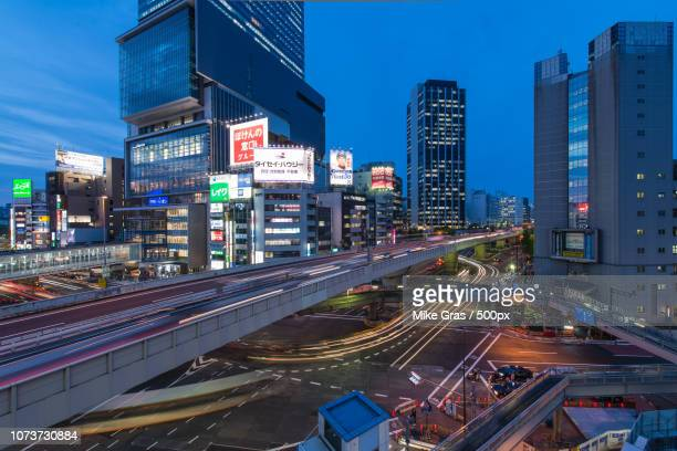 rush hour - gras stock pictures, royalty-free photos & images
