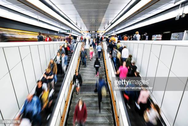 rush hour - railroad station stock pictures, royalty-free photos & images