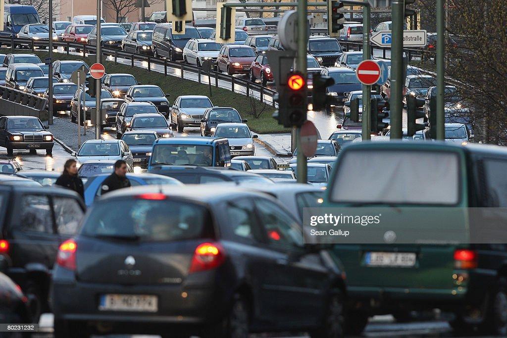 Berlin Public Transport Strike Enters Second Week : ニュース写真