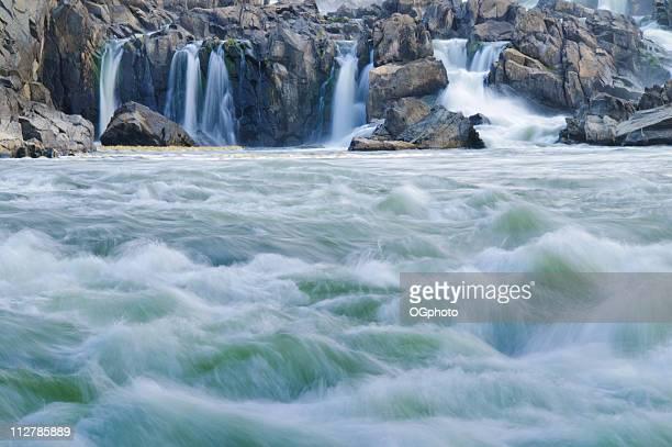 as quedas d'água - ogphoto - fotografias e filmes do acervo