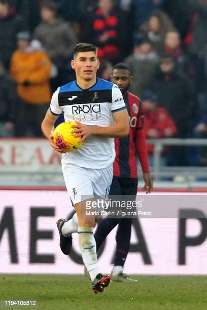 Ruslan Malinovskyi of Atalanta BC celebrates after scoring a goal during the Serie A match between Bologna FC and Atalanta BC at Stadio Renato...