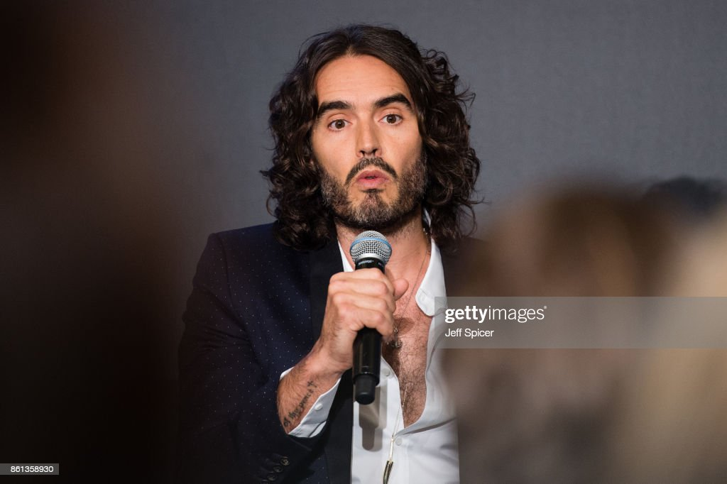 An Evening with Russell Brand at Esquire Townhouse with Dior : News Photo