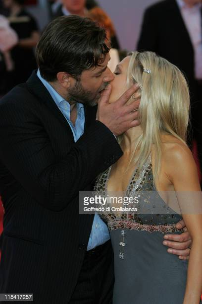 Russell Crowe and Danielle Spencer during 2005 Venice Film Festival 'Cinderella Man' Premiere at Palazzo del Cinema in Venice Italy
