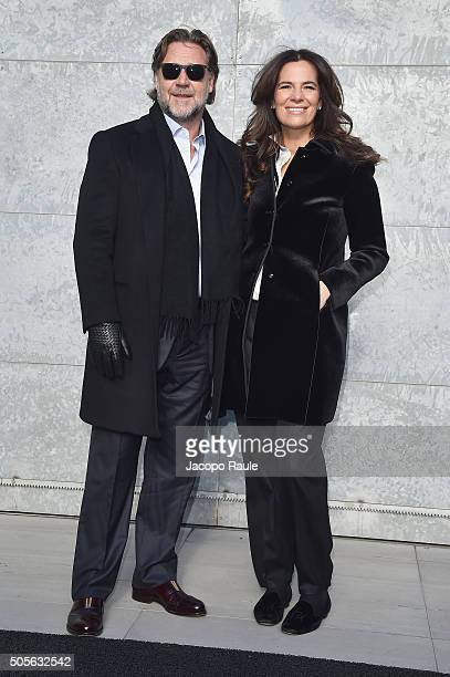 Russell Crowe and Roberta Armani arrive at the Giorgio Armani show during Milan Men's Fashion Week Fall/Winter 2016/17 on January 19 2016 in Milan...