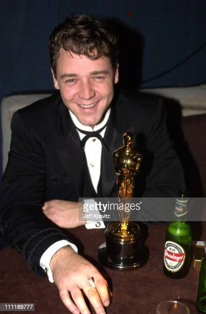Russell Crowe during 2001 Dreamworks Oscar Party at Guy's in Los Angeles California United States