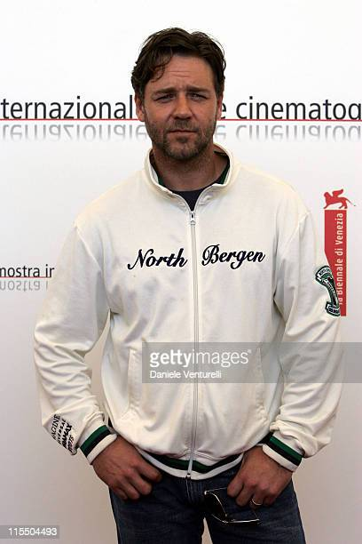 "Russell Crowe during 2005 Venice Film Festival - ""Cinderella Man"" Photocall at Casino Palace in Venice Lido, Italy."