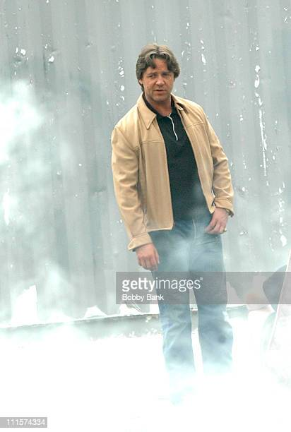 Russell Crowe during Russell Crowe On Location of American Gangster in Brooklyn August 15 2006 in Brooklyn New York United States