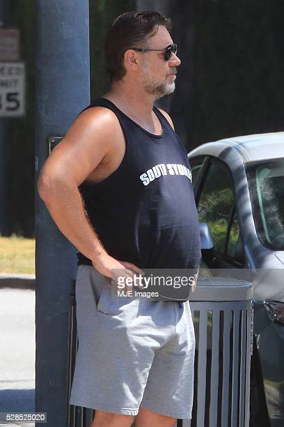 Russell Crowe enjoys the Californian sun on May 2 2016 in Los Angeles USA