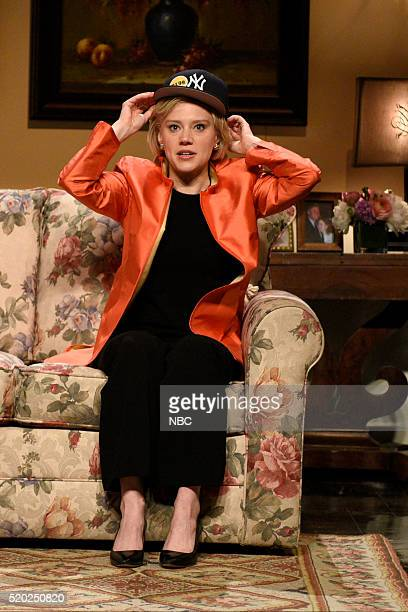 """Russell Crowe"""" Episode 1700 -- Pictured: Kate McKinnon as Hillary Clinton during the """"Hillary Clinton Addresses Her Losing Streak Cold Open"""" sketch..."""