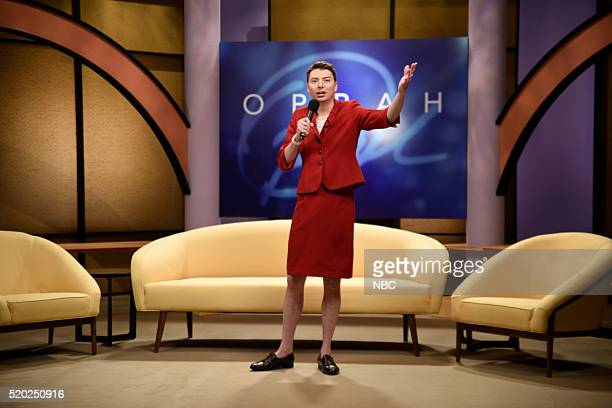 LIVE Russell Crowe Episode 1700 Pictured Mike O'Brien as Oprah Winfrey during the Oprah sketch on April 9 2016