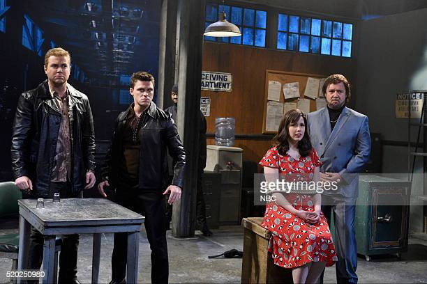 """Russell Crowe"""" Episode 1700 -- Pictured: Taran Killam, Jon Rudnitsky, Leslie Jones as Shanice Goodwin, Vanessa Bayer, and Russell Crowe during the..."""