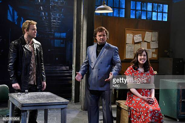 LIVE 'Russell Crowe' Episode 1700 Pictured Taran Killam Russell Crowe and Vanessa Bayer during the 'Shanice Goodwin' sketch on April 9 2016