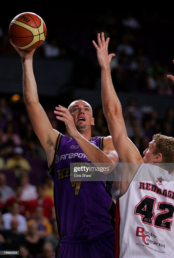 Russell Hinder of the Kings shoots the ball during game one of the NBL Semi Final Series between the Sydney Kings and the Perth Wildcats at Sydney Entertainment Centre on February 25, 2008 in Sydney, Australia.